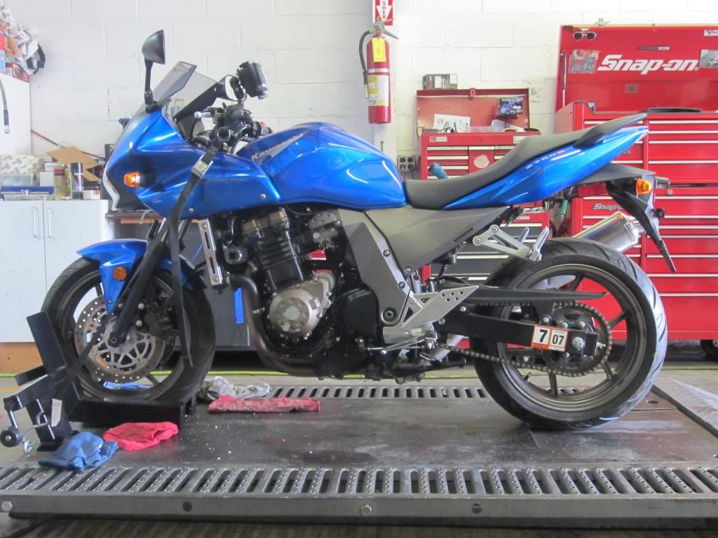 2005 ZR750K1