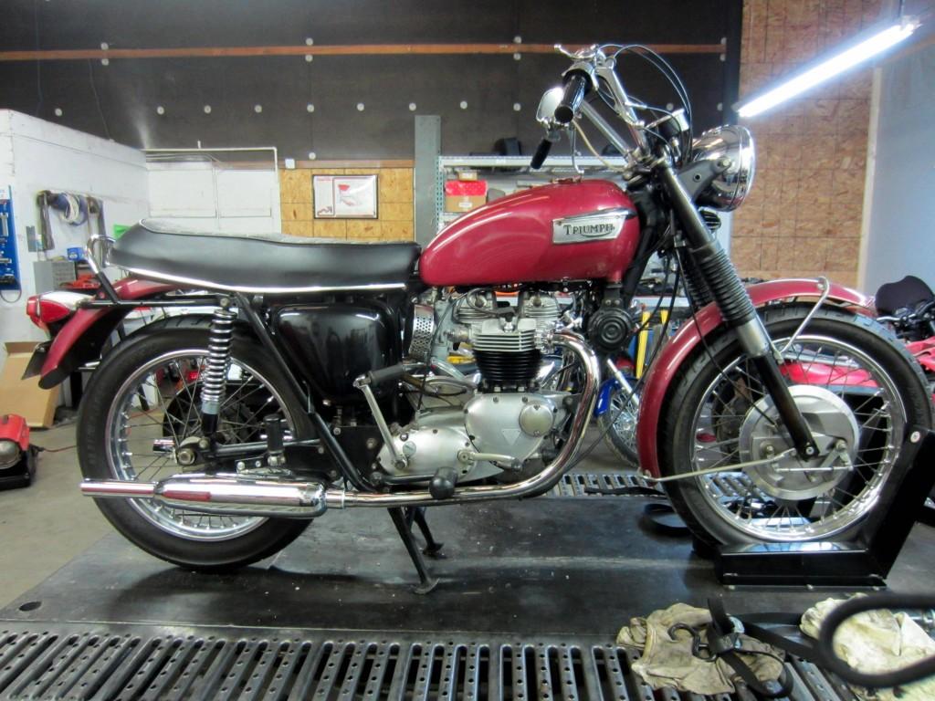 1970 T120R 004